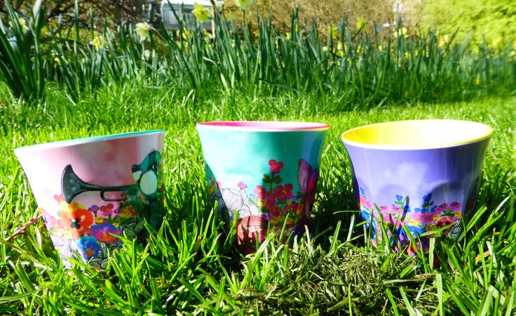 Melamine drinking cups in various colours x