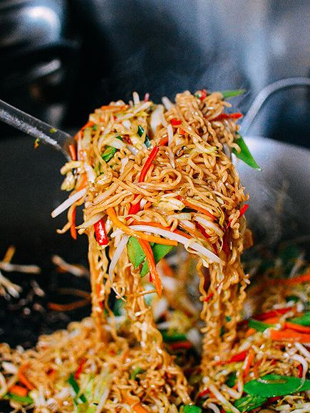 15 Quick Vegetarian Meals That Will Actually Fill You Up | PAN-FRIED VEGGIE RAMEN | Why bother with take out when something this magical is within reach? Get the recipe HERE.