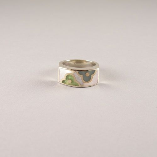 925 silver ring with Mother of pearl.