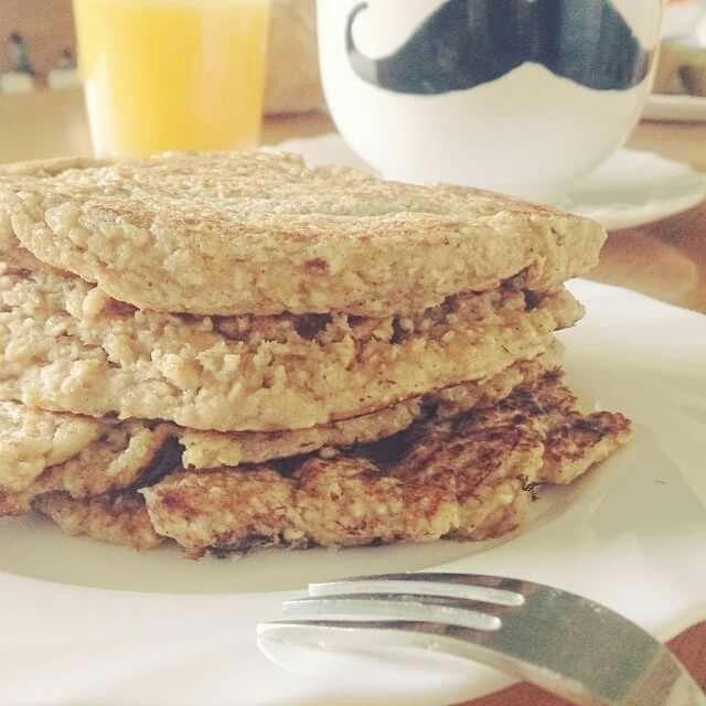 Desayuno, Pancakes de avena con plátano #breakfast #love #pancakes #moustache #mug
