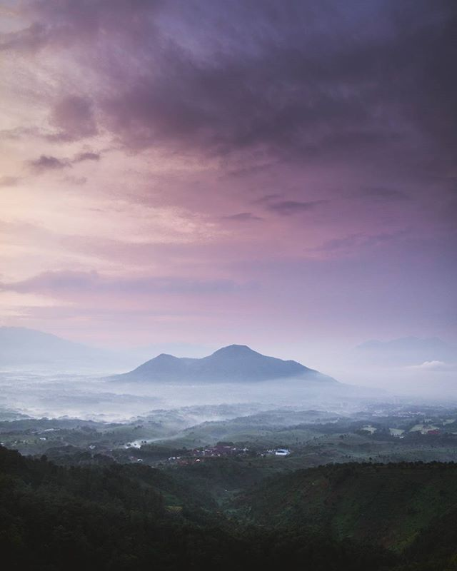 """Gunung Manglayang, Jawa Barat. Photo by @Owlcturnal #livefolkindonesia - More info about Photo location, Camera data, and Editing process, please add our official line account: @folkindonesia (use @) & Follow our Snapchat: """"folkindonesia"""""""