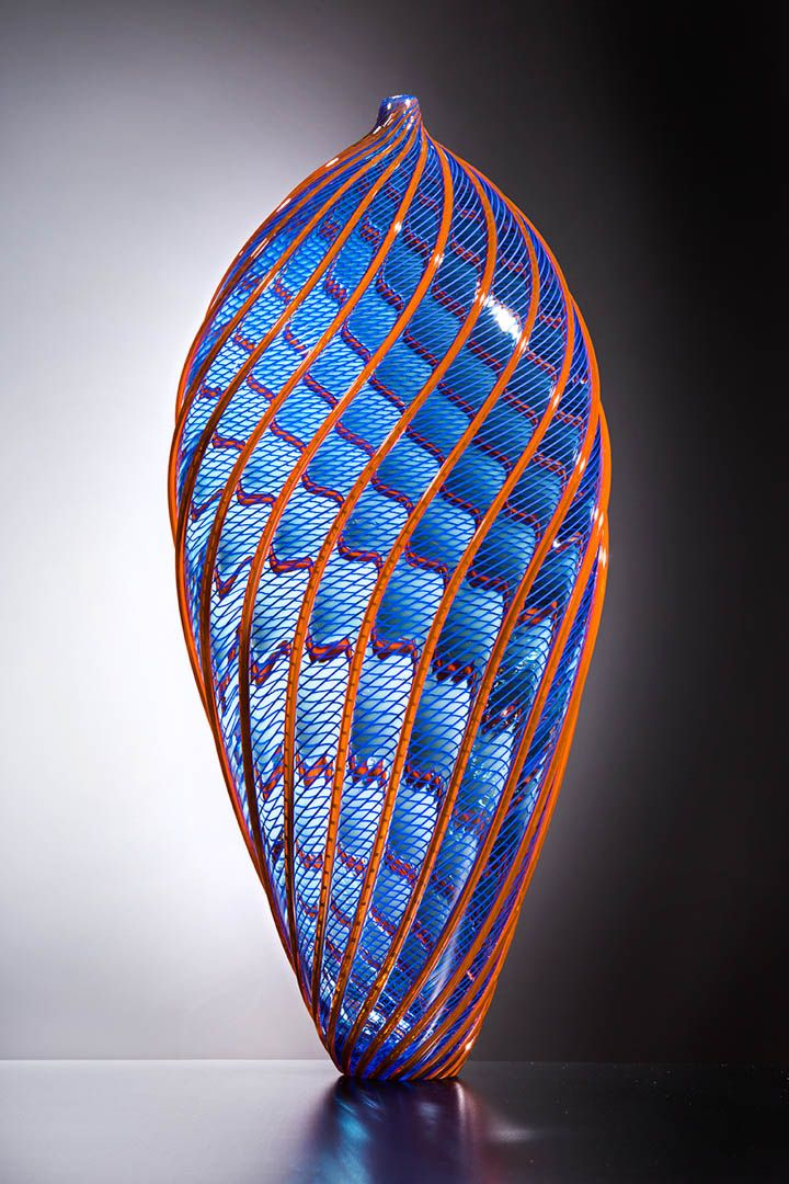 ROJ4543 - Lino Tagliapietra Italian glass artist and master glassmaker who is recognized for his skills and talents throughout the world.