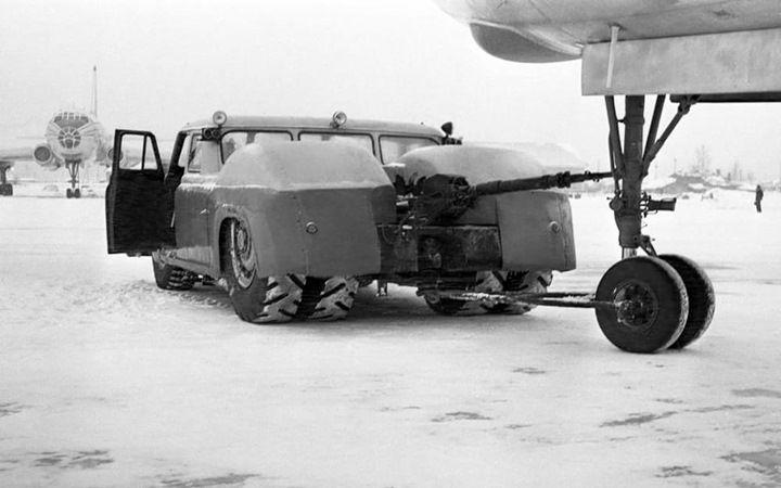 МАЗ-541 аэродромный тягач