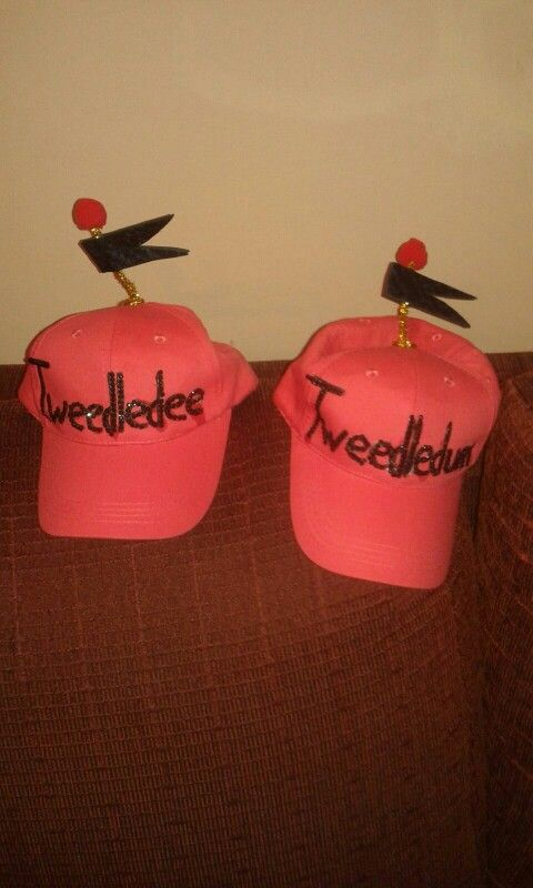 Gorras de los gemelos de alicia en el pais de las maravillas