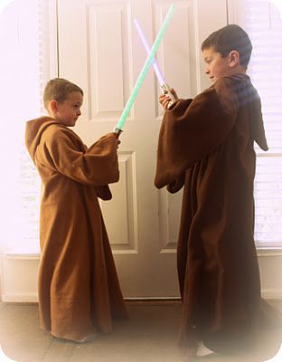 How to make inexpensive Jedi robes for your Star Wars fans