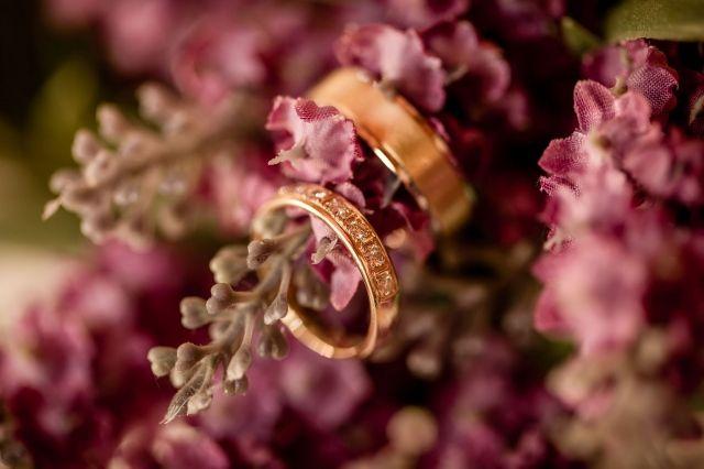 #trouwring #trouwringen #ringen #verloving #trouwen #bruiloft #inspiratie #wedding #engagement #ring #inspiration   Photography: Eppel Fotografie   ThePerfectWedding.nl