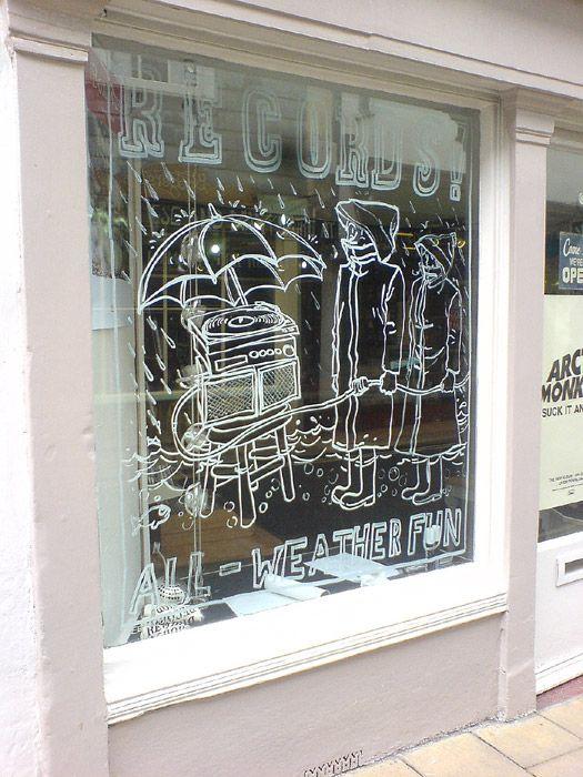 liquid chalk drawing for the Drift Record Shop in Totnes. Liquid chalk = maissitärkkelystä + elintarvikeväriä?!