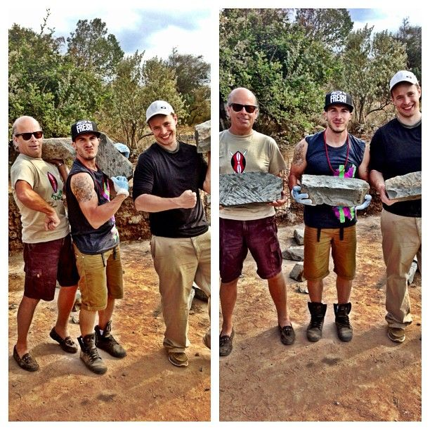 Shawn Desman, Marc Kielburger & David Aisenstat helping to build a school in Kenya! #shawndesman #metowetrips #kenya #volunteer #love