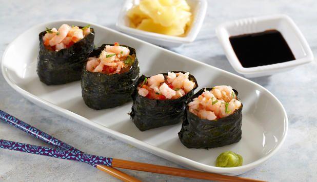 Sushi kommer i mange varianter, og gunkan er en av dem. Den består av en risball med noritang rundt, med valgfritt fyll på toppen. Her er en oppskrift med reker.