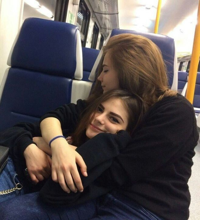 Best Friends Turn Lesbian