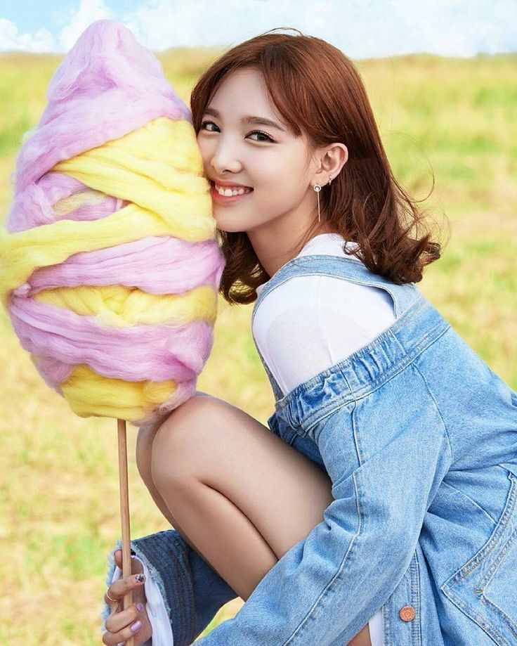 Nayeon ♥ Real Name : Im Na Yeon ♥ Birthplace : Gangdong District, South Korea ♥ Birthday : September 22, 1995 ♥ Height : 163 cm ♥ Occupation : Singer (member of Twice)