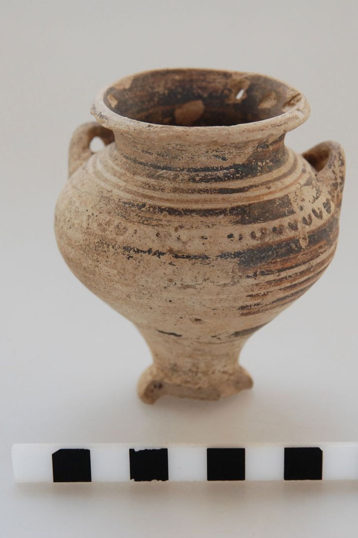 "Vessel from a grave revealed during the rescue #excavation at the ""Rema Xydias"" in #Platamonas (#Pieria, Greece).  #archaeology, #research , #pottery , #Mycenaean"