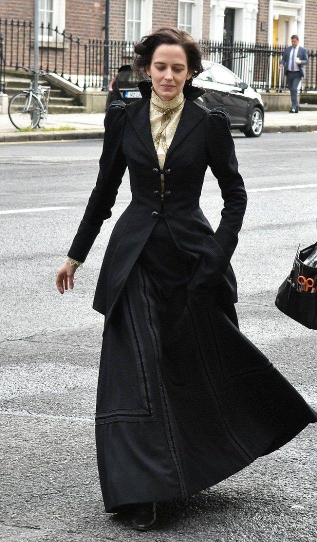 Eva Green - Penny Dreadful - Season 3 - set