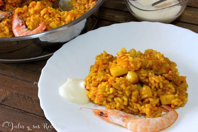 Un arroz de pescado delicioso, típico de la comunidad valenciana que gustará a todos. Servido con alioli, tiene un sabor muy rico. Lo puedes ver en mi blog Julia y sus recetas