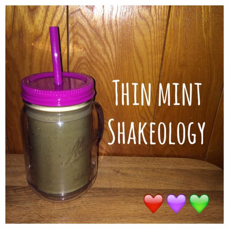 Serves 1 Container Equivalents (per serving): 1 Red, 1 Purple, 1 Green // Ingredients 1 scoop of Chocolate Shakeology 1 cup of unsweetened almond milk 1 cup spinach 1/4 teaspoon pure peppermint ext…