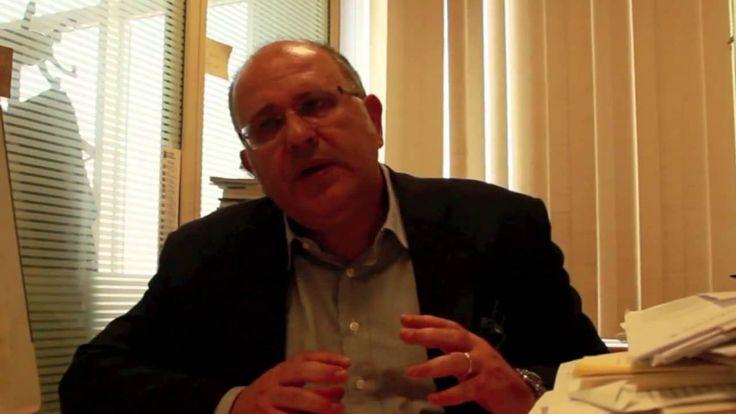 """Νίκος Ξυδάκης- Δημοσιογράφος, αρχισυντάκτης στην εφημερίδα Καθημερινή.  Συνέντευξη στη Μαρία Θάνου, μεταπτυχιακή φοιτήτρια Τμήματος επικοινωνίας και δημοσιογραφίας Α.Π.ΚΥ, με την ευκαιρία της """"Παγκόσμιας ημέρας ελευθερίας του Τύπου"""". #ouc, press, #interviews"""