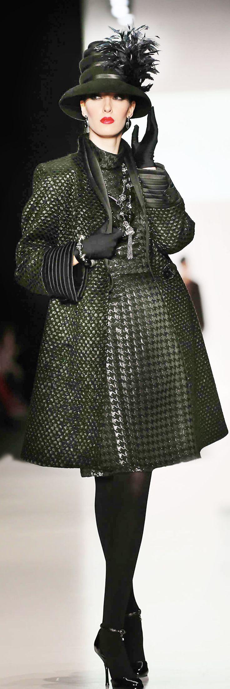 Slava Zaitsev Haute Couture