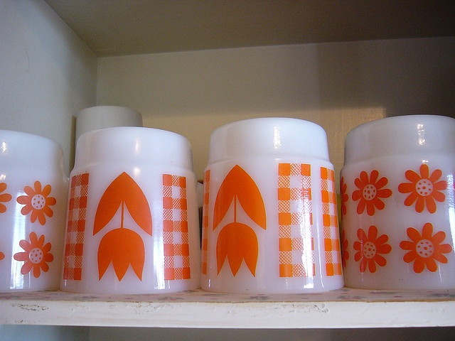 cute Pyrex mugs!