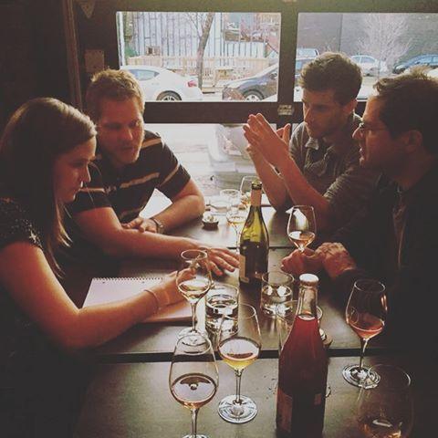 Už skoro týden jsme za velkou louží s Milanem Nestarcem a prezentujeme Milanova vína. Nejdříve v New Yorku, kam moravská vína vyváží @veltlin a teď v Montrealu. Jsme nadšeni z toho, jaký úspěch mají Milanova vína v těchto dvou městech, kde jsou zalistovana v těch nejlepších barech a restauracích. Ale od čtvrtka už opět za barem v Táboře! / Wine trip to New York and Montreál 2016. #thirwinebar #winetrip