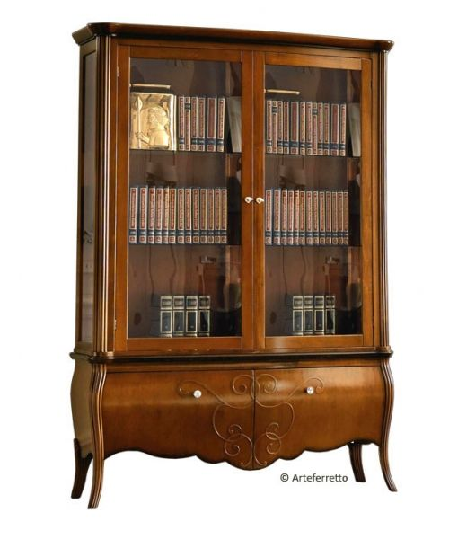Vetrina cod. AF-1045. Stile originale ed alta qualità per questa vetrina libreria davvero unica, dove lo spazio è suddiviso tra le vetrine con ripiani in vetro e le elegantissime ante della parte inferiore