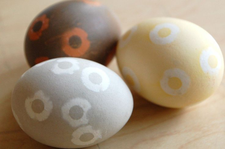 DIY Easter Eggs: 5 Natural Decorating Techniques