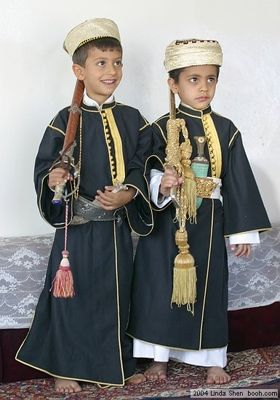 Traditional costume in the world | Saudi dress ... Abd Alaziz by CLASSIC _ , on Flickr