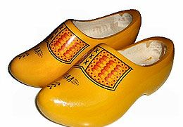 The Evolution of the Wooden Clog https://didyouknowfashion.com/2015/02/04/the-evolution-of-the-wooden-clog/