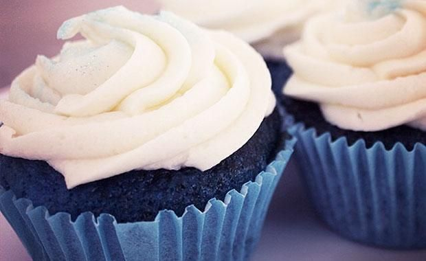 Blue velvet cupcakes with vanilla buttercream | smoothfm