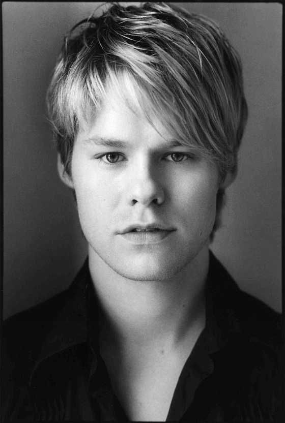 Randy Harrison, aka 'Justin Taylor' from Queer as Folk. Heart his character so much.