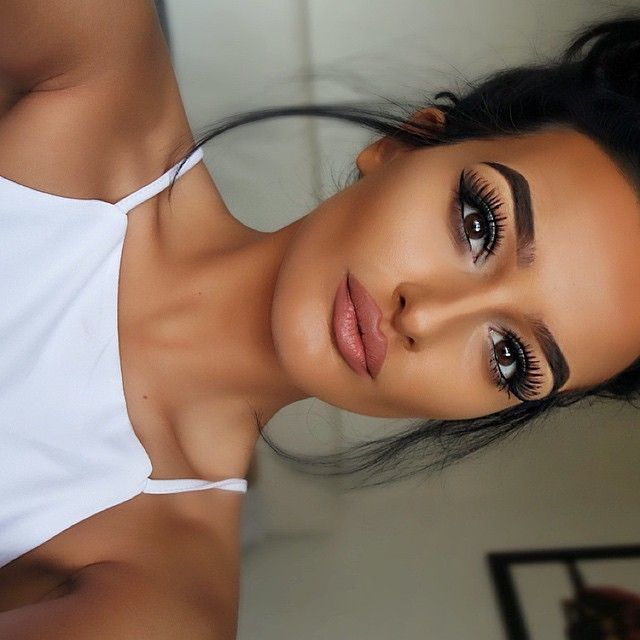 """LASHES!! @hollyboon__ wearing @LillyLashes in human hair style """"LA"""" #GhalichiGlam #LillyLashes"""