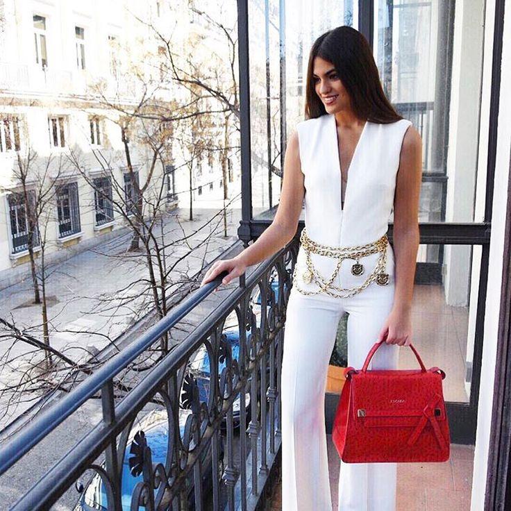 """9,936 Me gusta, 76 comentarios - Marta Lozano Pascual (@martalozanop) en Instagram: """"Total look @escadaofficial 🎯 In Love with my new #ML40 🎒 #BeEscada #MartalozanopforESCADA"""""""