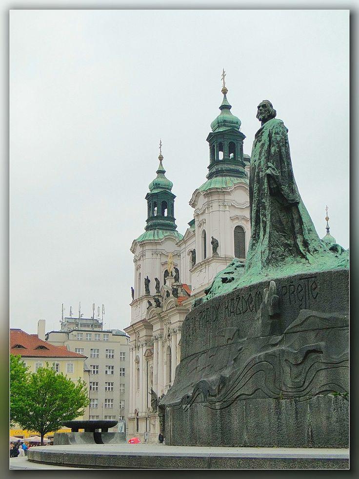 John Gus's monument