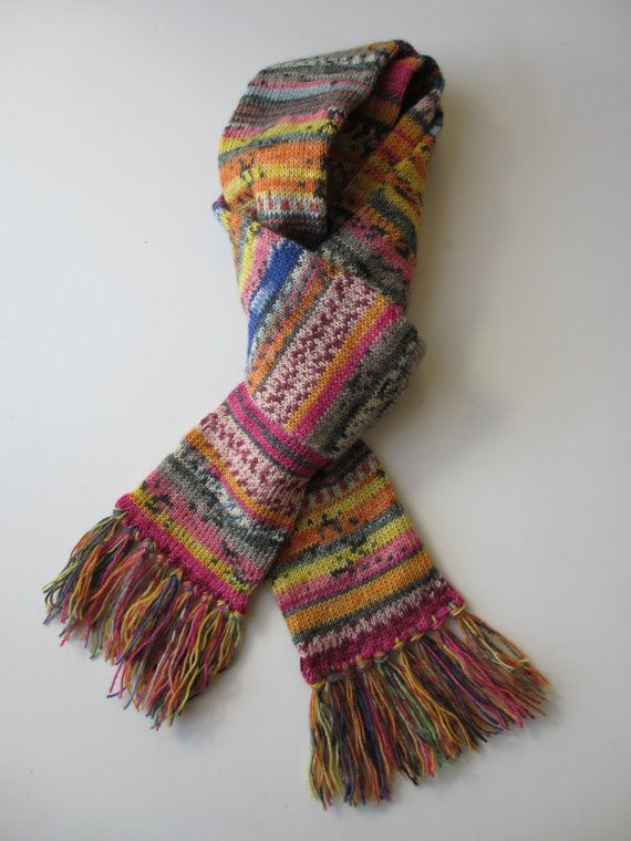 Knitting Patterns For Scarves Using Sock Yarn : 39 best images about breien met garenrestjes on Pinterest Yarn tail, Chevro...