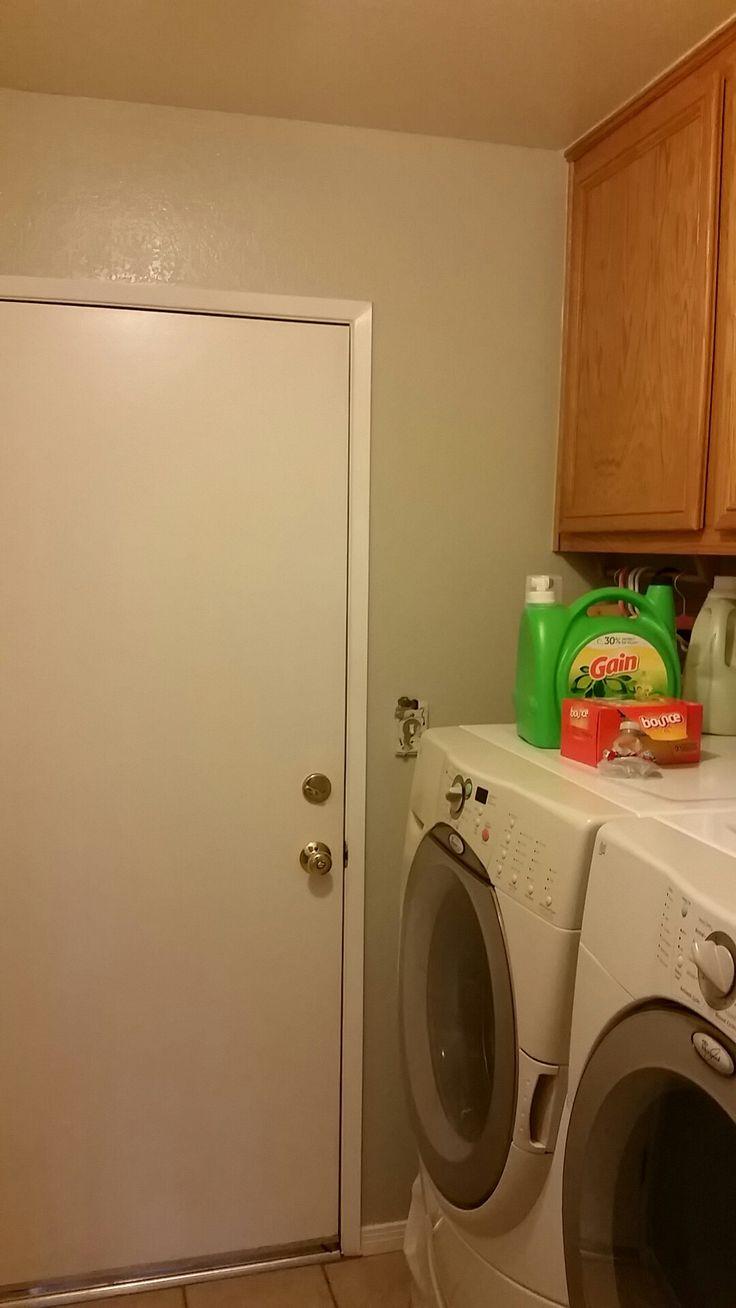 Laundry Room Floor Ideas: Behr Sawgrass Laundry Room