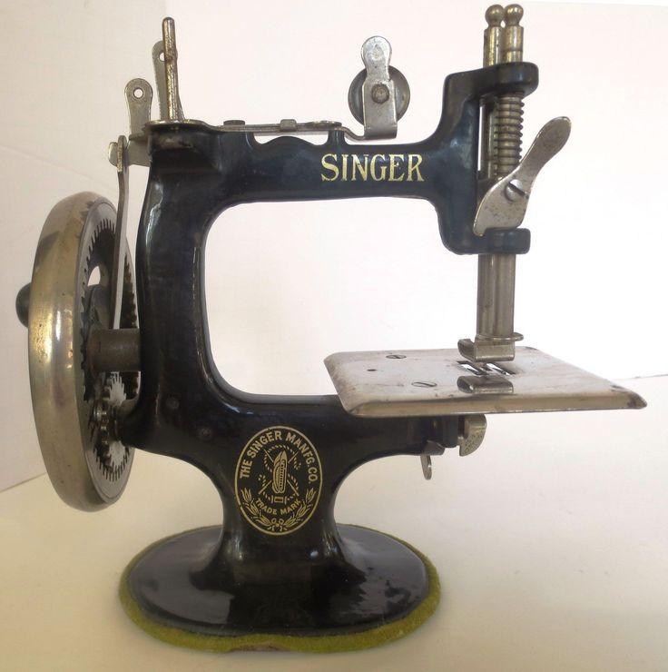 Singer Toy Sewing Machine 1920's