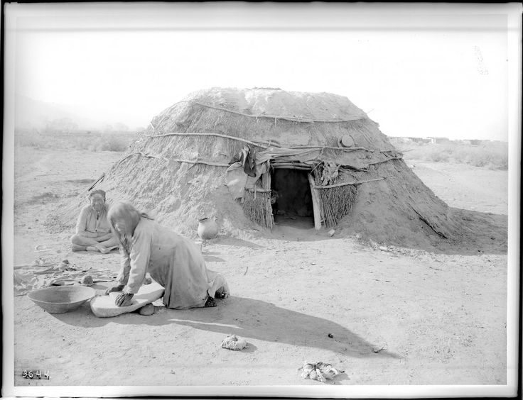 """File:Pima Indians, Ho-Dutch and his wife, in front of their native dwelling, or """"Kan"""", Pima, Arizona, ca.1900 (CHS-3644).jpg"""