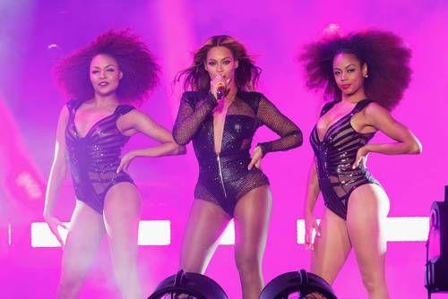 On the Run Monday: New JAY Z + Beyoncé Pics, Europe Tour + More ...