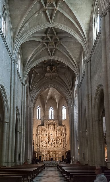 Huesca, Catedral de Santa María (Santa Iglesia Catedral de la Transfiguración del Señor), 1294 - XVI - retablo Mayor en alabastro, Damiàn Formwnt  1520  Spain