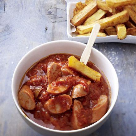 Wienerle in Currysoße mit Pommes Rezept | LECKER