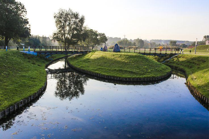 #Architektura w #KazimierzBiskupi - #park. Sztuczna #wyspa. // #Architecture in Kaziemierz Biskupi, #Poland - #park. Artificial #island.