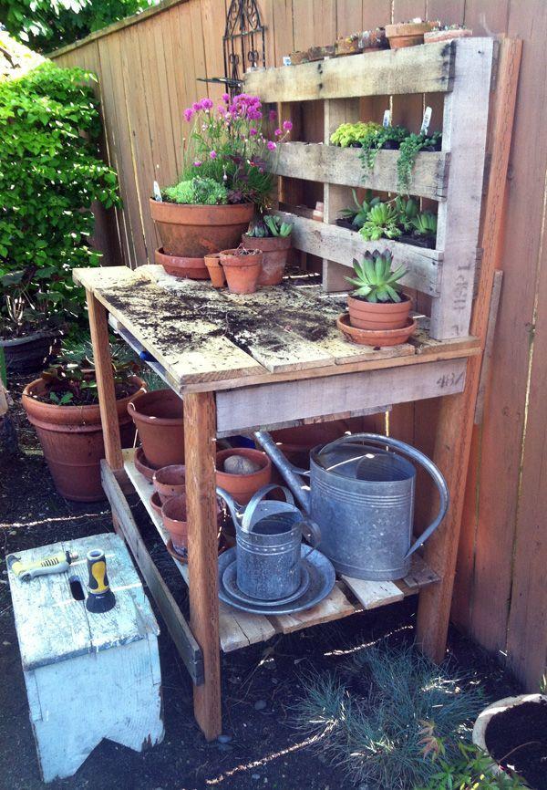 DIY Pallet Gardening Bench