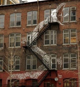 .: Ladder, Wall Art, Graffiti Artworks, Fire Escape, The Artists, Street Art, Old Building, Chalk Art, Streetart