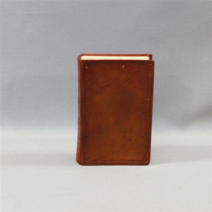 BLACK SAILS MRS HUDSON ANNALOUISE PLOWMAN SCREEN USED BOOK EP 307 & 309