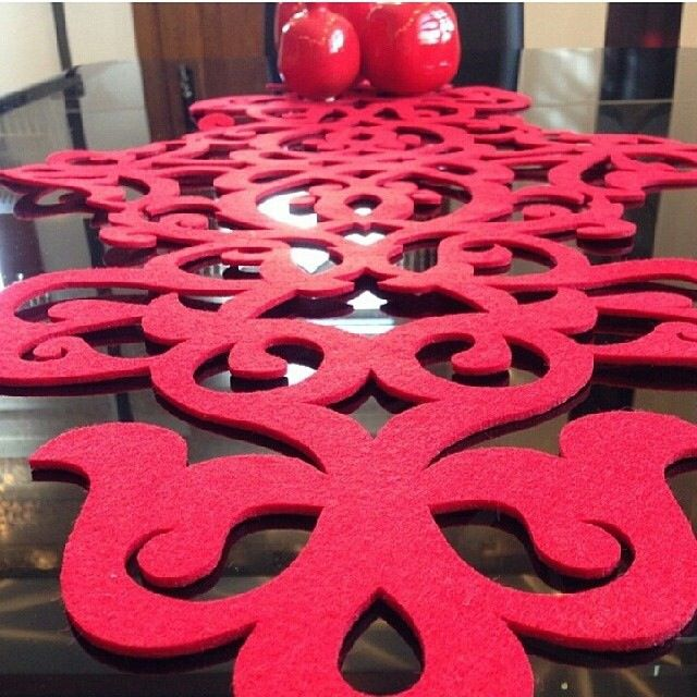 Red felt kırmızı keçe servis takım runner sipariş için aysebelli@gmail.com