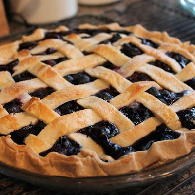 Blueberry Pie. Making this this week.Desserts, Fresh Blueberries Pies, Homemade Blueberries, Blueberries Pies Recipe, Pies Crusts, Sweets Treats, Favorite Recipe, Sweets Tooth, Food Recipe