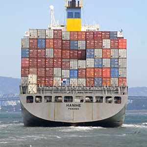 cargo+ship+container+san+francisco.jpg 300×300 pixels