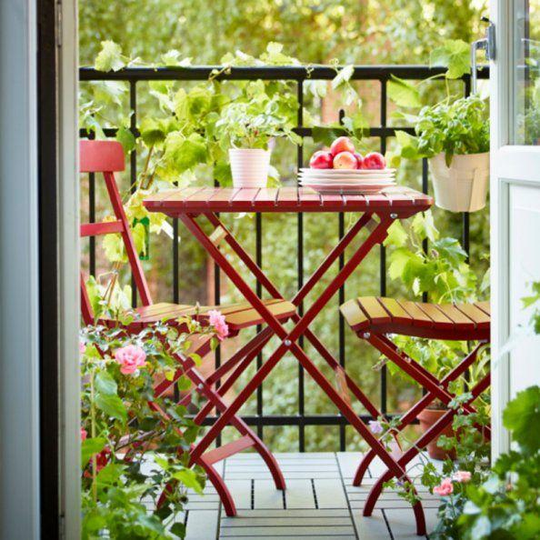 Un petit balcon fleuri et coloré