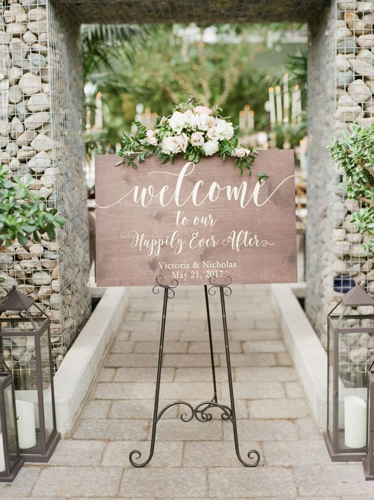 Spring wedding sign: Photography: Kelly Sweet - http://www.kellysweet.com/ Assistance: Jen Lynn - http://www.jenlynnephotography.com/