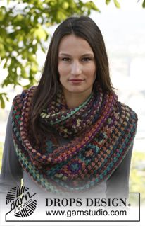 """Crochet DROPS moebius neck warmer and hat with squares in """"Delight"""". ~ DROPS Design  Love these Autumn colors, the neck warmer, and it has a matching hat and mittens too!"""