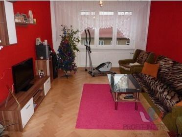Prodám prostorný, zařízený byt 3+1 v Tachově.